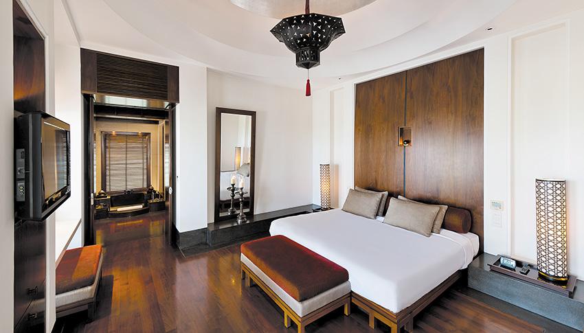 CMU-Rooms-Chedi Club Suite-Bedroom