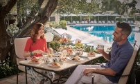Couple breakfast at L'Uliveto Terrace