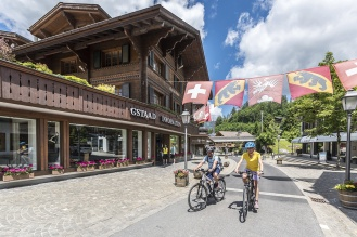 Gstaad_Promenade_Bike